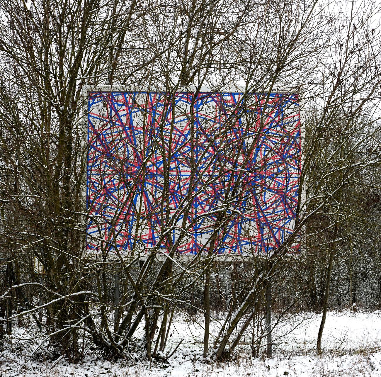 OX-peinture-panneau-derrieres-arbres-2021--Chaumont-